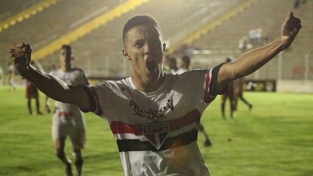 Pela Copinha, São Paulo joga contra Chapecoense em Ribeirão Preto