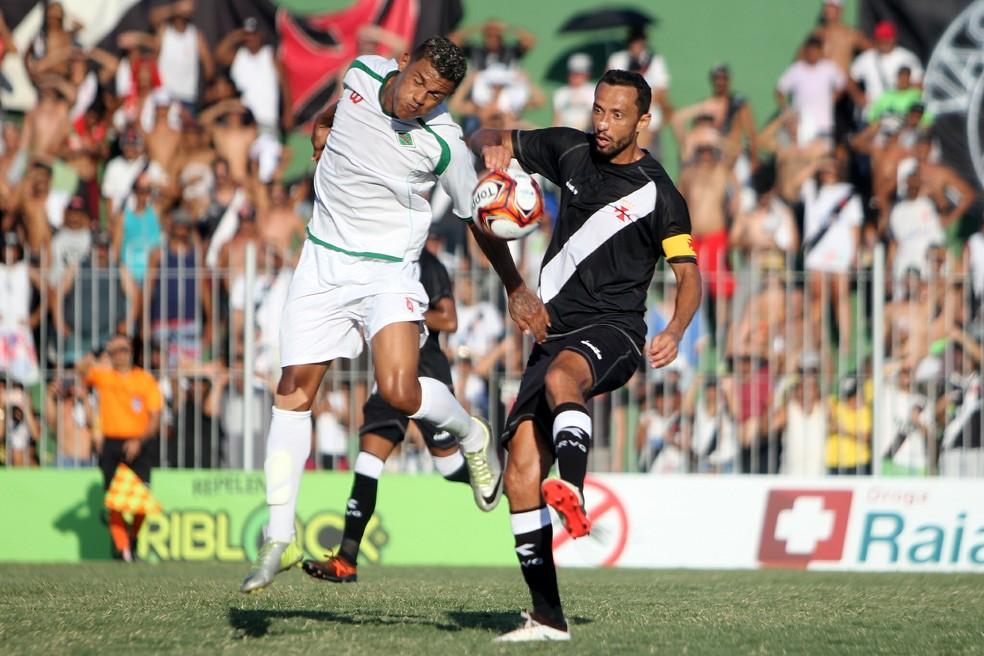 Jogo contra a Cabofriense deve ter sido o último de Nenê com a camisa do  Vasco a2df201dcd2f3
