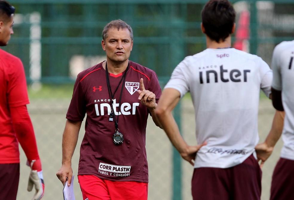 dc17cdb0a1 Diego Aguirre busca primeira vitória com São Paulo fora de casa (Foto   Rubens Chiri