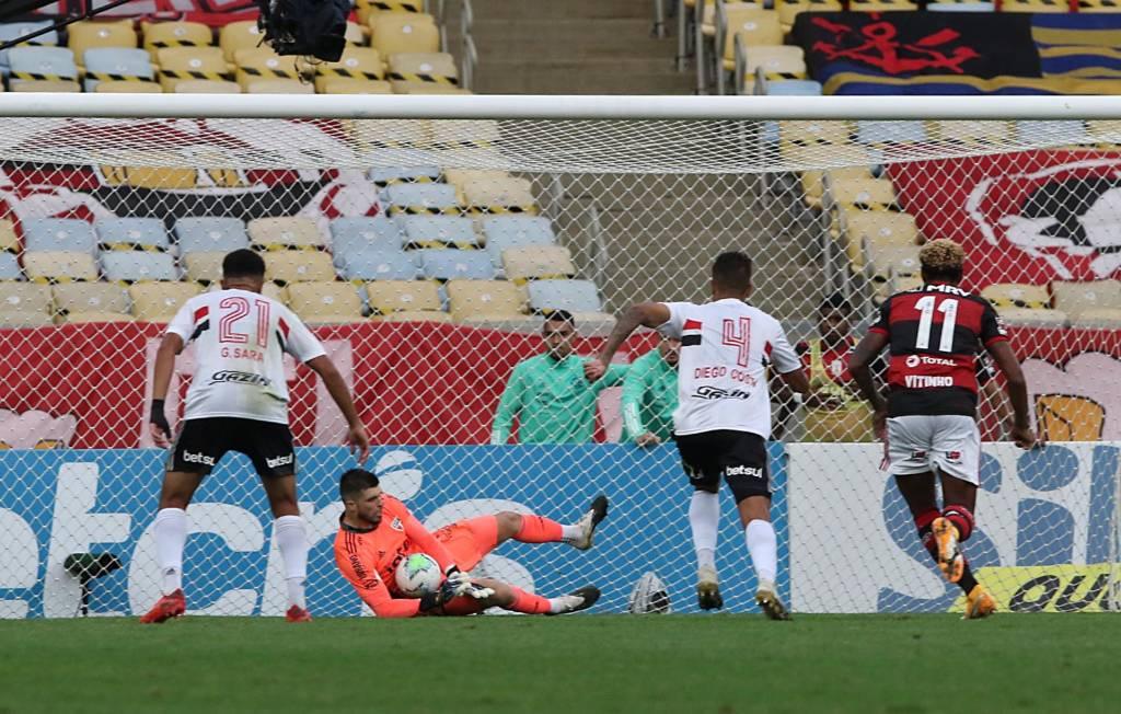 SPNet - Volpi pega 2 pênaltis, e São Paulo goleia o ...